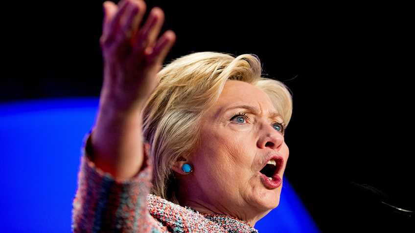 Polls Show Americans Distrust Clinton, and Give Her Supporters Reasons to Panic